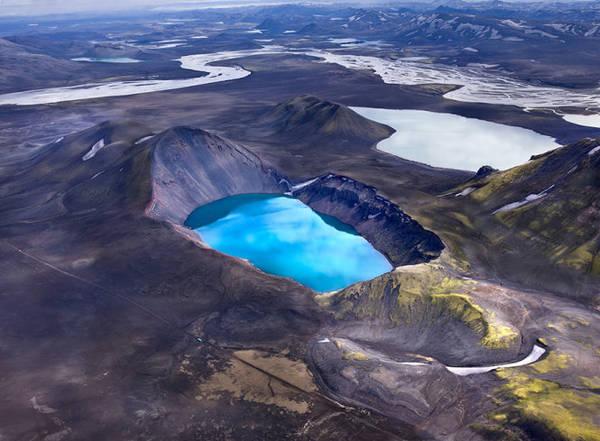 Miệng núi lửa Viti - Ảnh: Andre Ermolaev