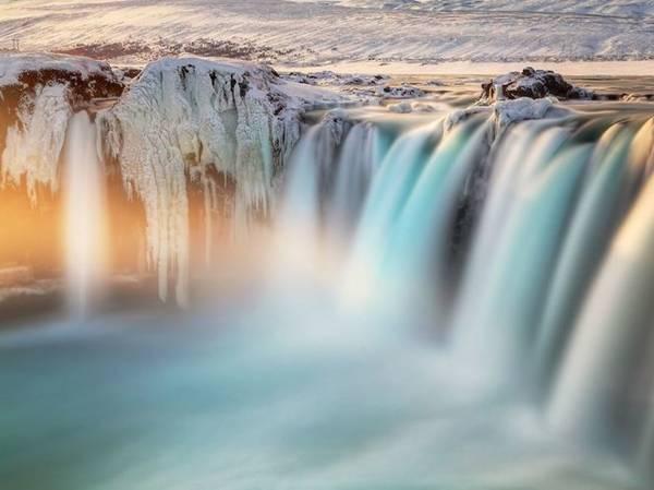 Goðafoss - thác nước của các vị thần - Ảnh: TheWheelZee