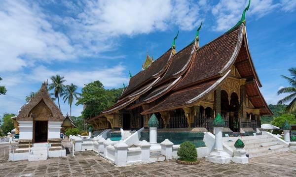 Wat Xieng Thong với mái ngói cong vút ấn tượng. Ảnh: Ketkarn Sakultap/Getty Images