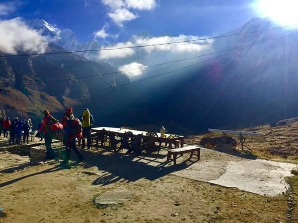 Đường lên đỉnh Annapurrna Base Camp.