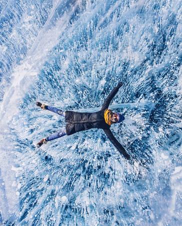 Hiện tượng hồ đóng băng của Baikal luôn mang nhiều câu chuyện thú vị và bí ẩn, kích thích sự quan tâm của các nhà khoa học.