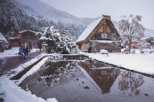 Khắp nơi ngập tuyết trắng, nên nếu có ý định đặt chân đến, du khách cần phải chuẩn bị quần áo thích hợp, những đôi giầy chống trơn trượt.