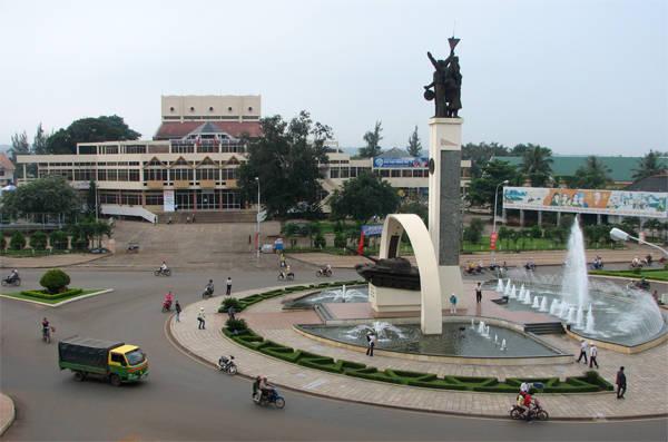 Thành phố Buôn Mê Thuột được coi là trung tâm của Đăk Lăk.