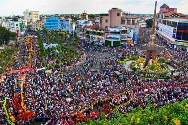 Lễ hội Vía Bà Thiên Hậu được tổ chức long trọng vào mỗi Rằm tháng Giêng. Ảnh: bando.sovhttdl.binhduong.vn