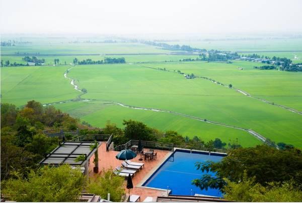 sao-phai-di-dau-xa-mien-tay-cung-co-nhieu-khach-san-resort-sang-chanh-nhu-the-nay-co-ma-ivivu-21