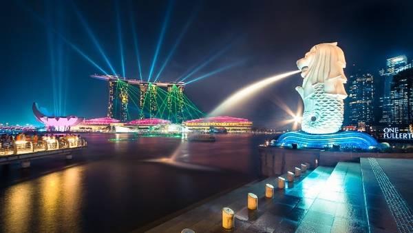 Đến Singapore nếu chỉ đi khơi khơi, chúng ta cũng sẽ chỉ gặp một đất nước, một thành phố phồn vinh đầy ánh sáng muôn màu
