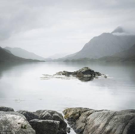 Hồ nước ở Na Uy mùa đông