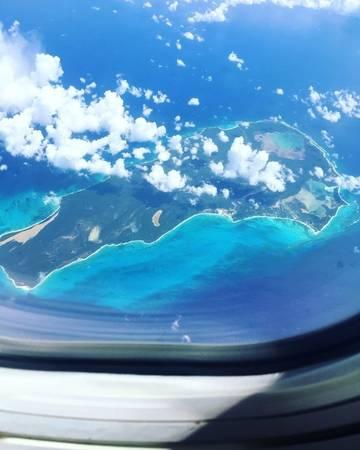 1. Đây chính là khung cảnh mà bạn sẽ nhìn thấy khi bay từ đảo Caribbean qua Puerto Rico. Xin chú thích thêm rằng ảnh dưới đây 100% là ảnh gốc chưa qua chỉnh sửa nhé!