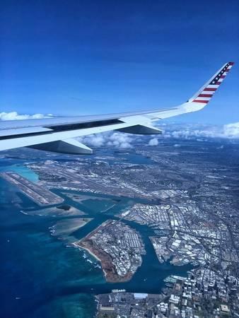 6. Những khu biệt thự hàng đầu, những resort cao cấp nằm tại Honolulu, Hawaii không khác gì mô hình đồ chơi bé tí khi nhìn từ trên cao. Và thật sự thiếu sót nếu không nhắc đến màu xanh tuyệt đẹp của nước biển ở khu vực này!