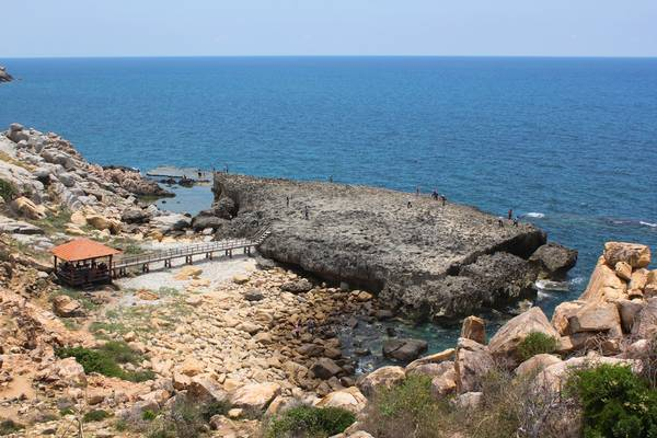 Toàn cảnh bãi san hô cổ ở Hang Rái. Ảnh: Tiểu Duy
