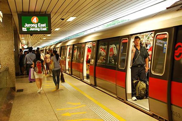 ba-phuong-tien-cong-cong-chinh-de-di-chuyen-o-singapore-ivivu-1
