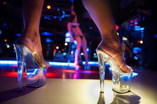 Ngành du lịch tình dục ở Latvia mang lại rất nhiều tiền cho du lịch quốc gia. Chủ các tiệm massage, khách sạn kiếm tiền rất dễ dàng nhờ ăn theo dịch vụ này. Ảnh: Travel 2 Riga.