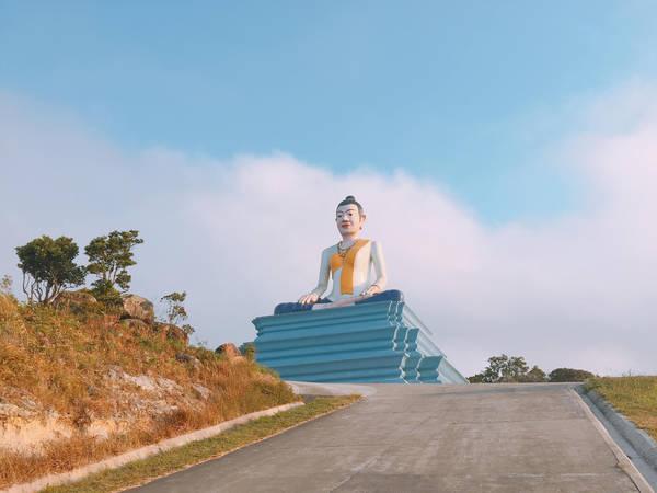 Một ngôi chùa khá đẹp trên đèo Bokor.