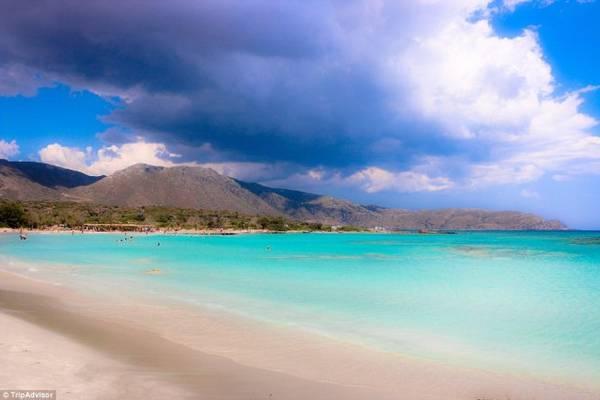 9. Bãi biển Elafonissi, Elafonissi, Crete, Hi Lạp - Ảnh: TripAdvisor