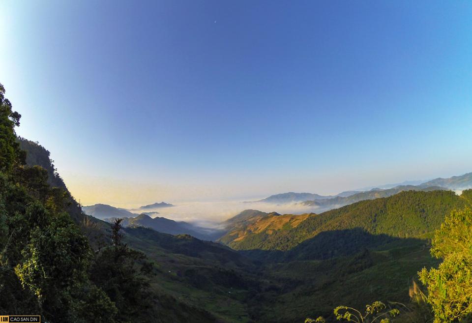 Này bạn, nếu lên rẻo núi vùng cao, đừng bỏ lỡ tham quan phiên chợ giao lưu văn hóa, thắm tình hữu nghị của hai dân tộc Việt - Lào gần cửa khẩu quốc tế Nậm Cắn vào ngày 14, 29 Dương lịch.