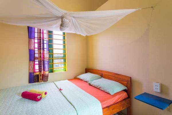 Những màu sắc dễ thương được dùng để trang trí trong mỗi phòng. Ảnh: Facebook The Hoi An Hippie House