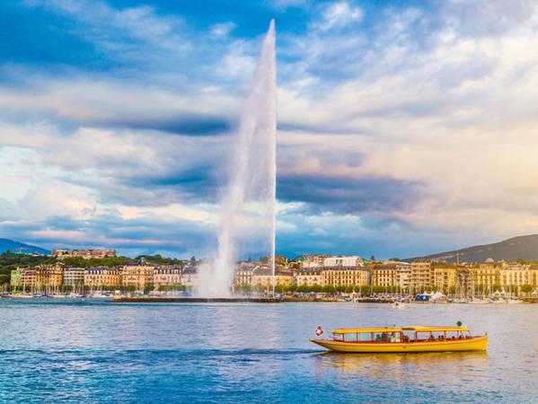 Nằm trong vùng nói tiếng Pháp, vùng Geneva phảng phất nét tinh tế của Pháp. Thành phố nằm bên Hồ Geneva, là nơi đăt trụ sở Liên hợp quốc và Hội Chữ thập đỏ.