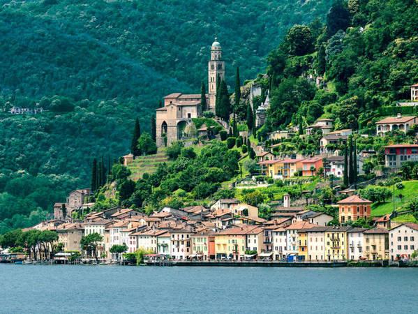 Ngoài những vùng nói tiếng Pháp, Thụy Sĩ còn có vùng nói tiếng Ý. Điển hình là thành phố Lugano đặt theo tên của hồ băng mà nó nằm ngay cạnh. Bạn sẽ được nghe giọng Ý, tiếng Ý và đặc biệt những món ăn tuyệt ngon của Ý ngay ở chính nơi này.