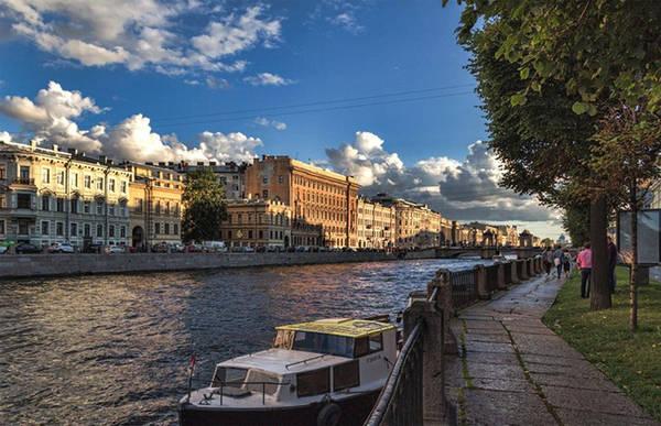 Nhưng hơn tất cả, Saint Petersburg luôn giữ được vẻ yên bình vốn có.a