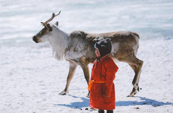 Địa điểm cuối cùng cách biên giới Nga khoảng 40 km, nơi những bộ lạc Tsataan cuối cùng còn đang lưu giữ nếp sinh hoạt du mục cổ xưa nhất của Mông Cổ sinh sống và thuần dưỡng những đàn tuần lộc trong môi trường tự nhiên hoang dã.