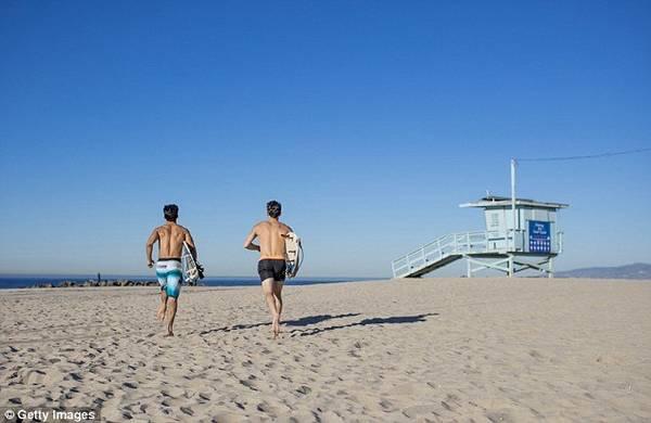 Mỗi năm, Los Angeles có gần 300 ngày trời trong xanh, nắng chói chang - Ảnh: Getty
