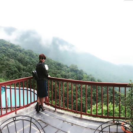 """Belvedere Tam Đảo resort  Tọa lạc ở thị trấn Tam Đảo, Vĩnh Phúc, khu nghỉ được ví như """"resort trên mây"""", nằm ở độ cao khoảng 1.200 m so với mực nước biển. Đứng từ đây bạn có thể ngắm toàn bộ khung cảnh núi rừng bạt ngàn. Vào mùa hè, bạn sẽ được thư giãn ngâm mình trong hồ bơi trên mây thơ mộng. Ảnh: hieuparis."""