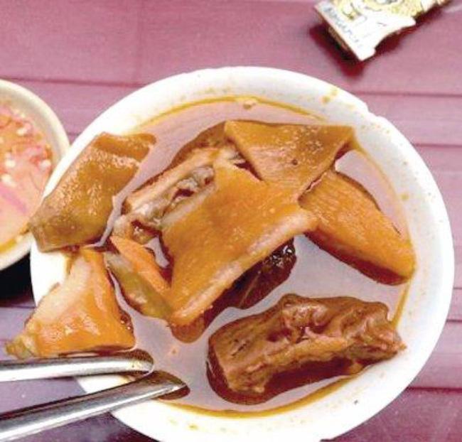 8-quan-an-nhin-tuenh-toang-nhung-ai-thu-mot-lan-cung-gat-gu-dang-dong-tien-bat-gao-ivivu-32