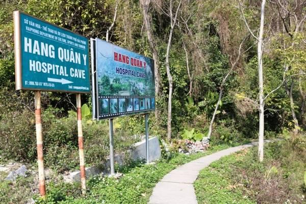 Bệnh viện là công trình xây dựng đặc biệt bằng bê tông, cốt thép, có diện tích hơn 2.000 m2, nằm trọn trong lòng núi đá vôi, với 3 tầng, 17 phòng chức năng, đủ sức chứa hơn 100 người cùng lúc.
