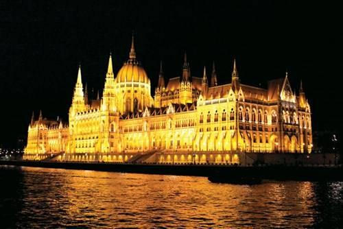 Cầu Elizabeth, Budapest