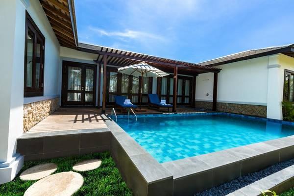 Khu nghỉ dưỡng này có 651 phòng cao cấp, phòng Suite và các biệt thự, đa dạng từ phòng tiêu chuẩn đến phòng cao cấp có bể bơi riêng.