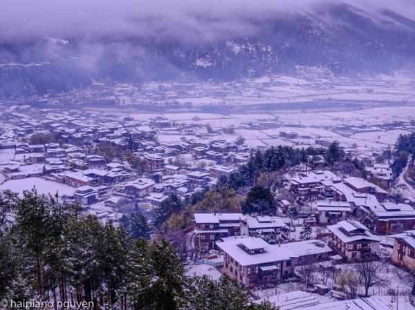 Nhiều nơi ở Bhutan chìm trong tuyết mùa xuân