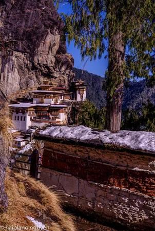 Đường lên tu viện Tiger's Nest, một trong những biểu tượng của Bhutan