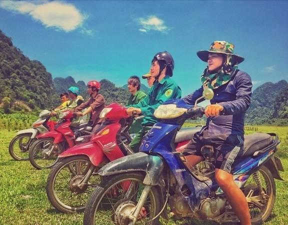 Mặc dù Jordan đi dọc Việt Nam để khảo sát bối cảnh cho phim bon tấn vào năm 2015, nhưng Quảng Bình, Ninh Bình và Hạ Long là 3 địa điểm được đạo diễn chú ý nhất và chụp rất nhiều ảnh để đăng tải trên trang cá nhân, giới thiệu đến bạn bè.