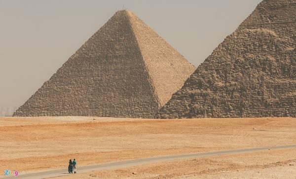 """Người Ai Cập có câu nói nổi tiếng: """"Mọi thứ đều sợ thời gian, thời gian thì sợ kim tự tháp"""". Sau hàng nghìn năm, đến tận bây giờ kim tự tháp vẫn là một biểu tượng vĩ đại trong lịch sử nhân loại."""