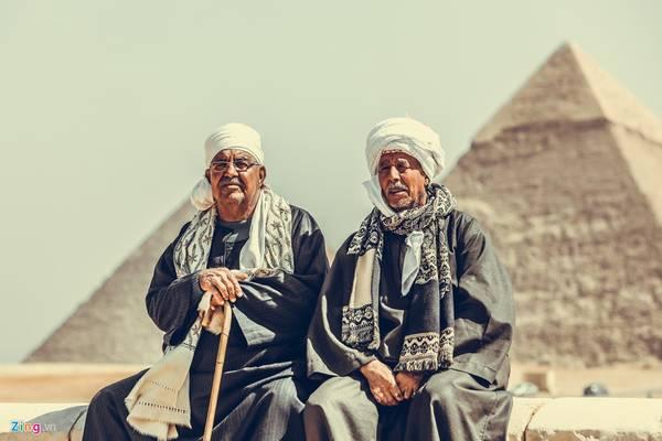 Không chỉ du khách mà người dân từ khắp nơi tại quốc gia này cũng muốn một lần được tận mắt chiêm ngắm kim tự tháp vĩ đại.