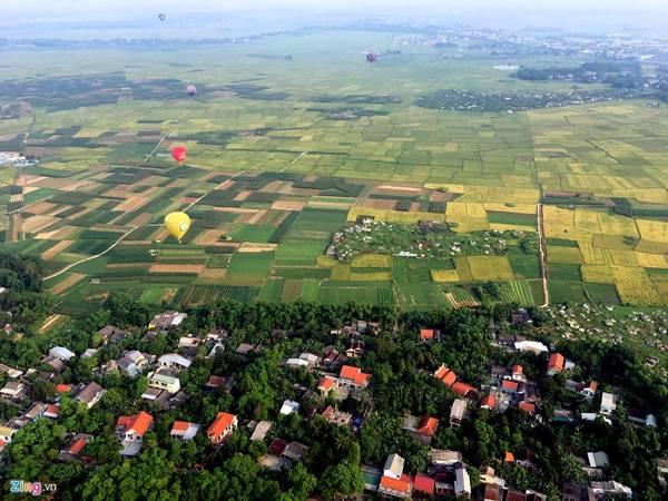 Hãy thử cảm giác đứng trên khinh khí cầu nhìn toàn cảnh thành phố Huế nhé. Ảnh: zing news.