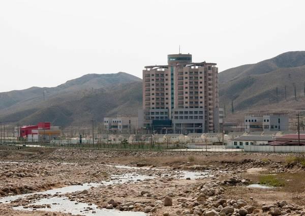 Sau đó, Triều Tiên tuyên bố thu hồi toàn bộ khu nghỉ dưỡng phức hợp Kumgang và xử lý theo luật pháp của nước này, vì chính phủ Hàn Quốc không thỏa hiệp để giải quyết mâu thuẫn. Toàn bộ cơ sở hạ tầng, phương tiện, máy móc... sẽ nằm lại lãnh thổ Triều Tiên, tất cả nhân viên Hàn Quốc có 72 giờ để rời khỏi khu nghỉ dưỡng trên.