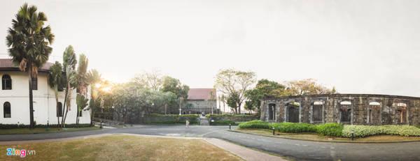 Ngoài ra, chính quyền Philippines còn cho xây dựng bảo tàng José Rizal nằm ngay bên trong pháo đài, lưu giữ lại những vật dụng và công lao của ông.