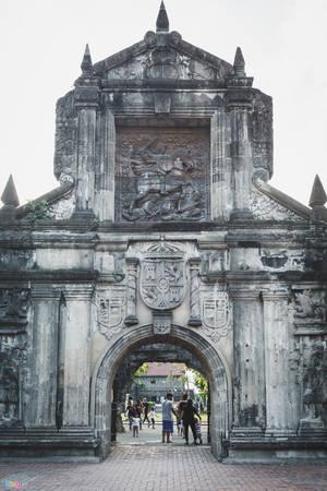 Pháo đài còn bị phá hủy sau trận động đất năm 1645, trải qua nhiều đợt tấn công và chiếm đóng của Anh, Mỹ, Nhật. Trong đó, cổng chính được xây dựng lại do bị phá huỷ gần như hoàn toàn trong giai đoạn cuối của Thế chiến thứ II. Phía trên cổng chính được chạm khắc hình Thánh James đang cưỡi ngựa, một vị thần hộ mệnh của người Tây Ban Nha.