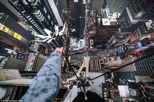 Những hình ảnh ở New York được một nhiếp ảnh gia ẩn danh chụp và SVVVK đăng trên Instagram. Ảnh: @SVVVK/Caters News.