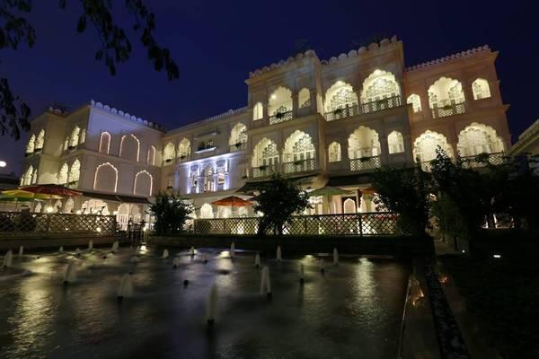 Lâu đài Tajmasago của Khải Silk lấy cảm hứng từ ngôi đền Taj Mahal