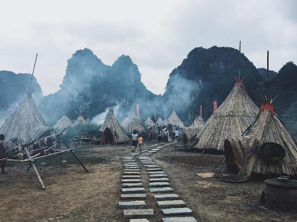 Tất cả các túp lều chóp được dựng bằng vật liệu tự nhiên là tre nứa, luồng, gỗ…Ảnh: @nguyendat30494