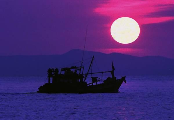 Ánh chiều tím trên đảo Hải Tặc. Ảnh: vnphoto.net