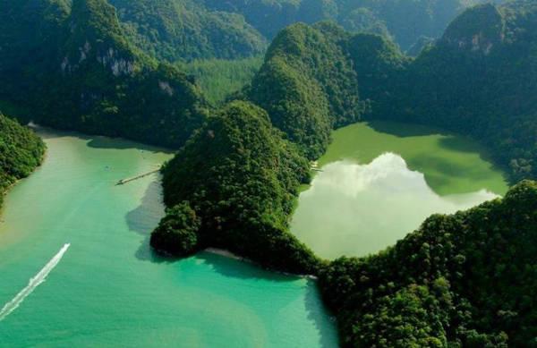 Dayang Bunting là quần đảo lớn thứ 2 Malaysia với 99 đảo lớn nhỏ. Nơi này nổi tiếng vì một danh thắng Dayang Bunting là đảo lớn thứ hai thuộc quần đảo Langkawi (Malaysia). Nơi đây còn được biết tới với một danh thắng độc đáo, gắn liền với những truyền thuyết kỳ bí - hồ Trinh nữ thụ thai. Đây là một hồ nước ngọt được bao quanh bởi các rặng núi nằm giữa biển, mang một vẻ đẹp vừa hoang sơ, vừa kỳ vĩ.