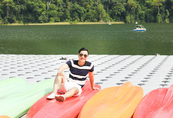 Hoặc bạn có thể đến đảo Pulau Beras Basah, một nơi biển xanh cát trắng rất đẹp, để bơi lội, tắm nắng, lặn biển