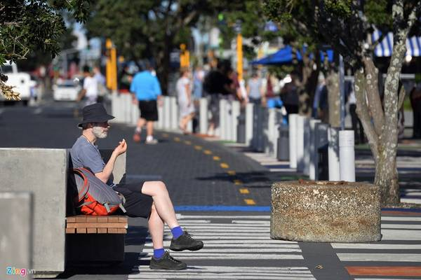 Auckland có thời tiết biển ôn hòa với mùa hè nắng ấm, khô ráo còn mùa đông thì mưa.