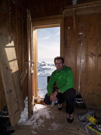 Ngày nay, không chỉ những người gặp điều kiện thời tiết xấu mới tá túc trong ngôi nhà này, mà Solvay đã trở thành một trong những điểm đến nổi tiếng nhất Thụy Sĩ. Nhiều người đến đây leo núi chỉ với mục đích tham quan căn chòi gỗ và nhìn toàn cảnh ngọn núi Monte Rosa phía trước mặt.
