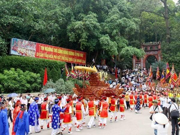 Lễ hội đền Hùng được tổ chức long trọng vào 10.3 âm lịch hằng năm. Ảnh: I.T