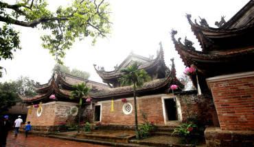 nhung-duong-cong-hut-hon-o-chua-tay-phuong-ha-noi-ivivu-6