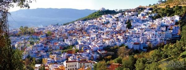 Toàn cảnh Chefchaouen - thành phố xanh nổi tiếng của Maroc.